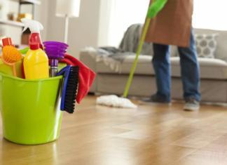 Huiskamer schoonmaken