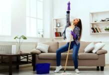 Muziek luisteren tijdens het schoonmaken