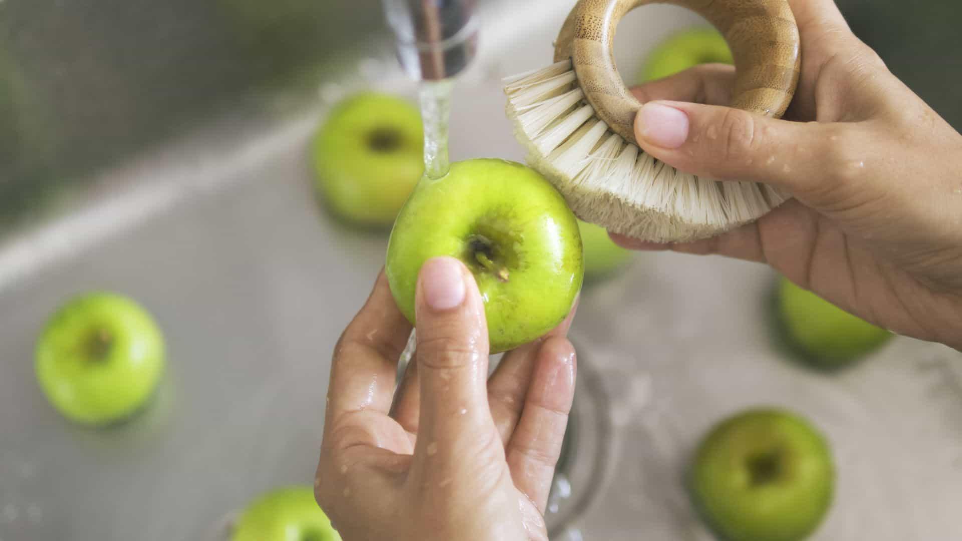 Groente en fruit schoonmaken