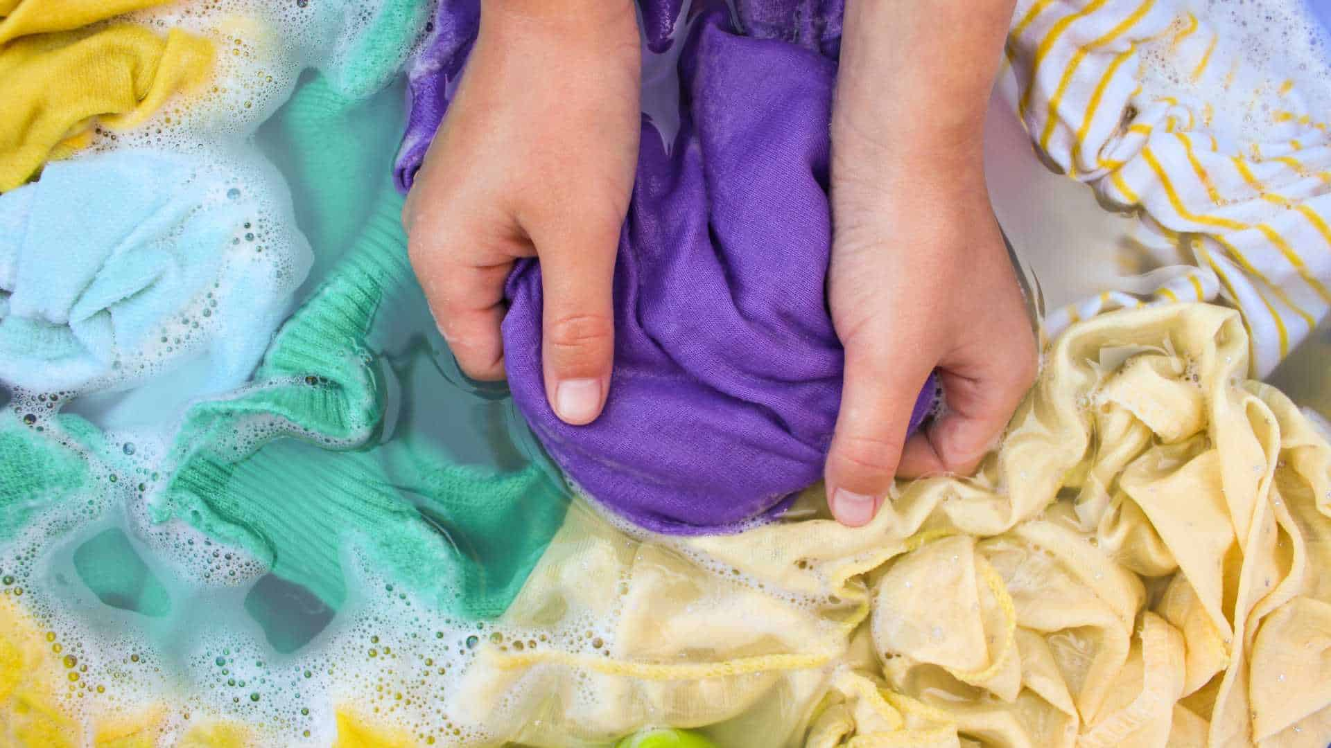 Vlekken verwijderen uit je kleding